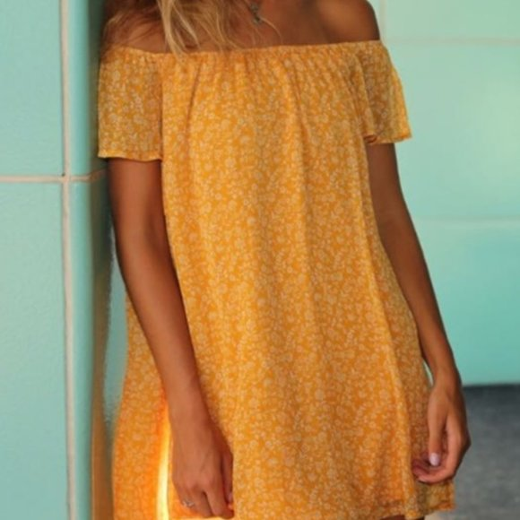 Forever 21 Dresses & Skirts - FOREVER 21 Off the Shoulder Yellow Floral Dress